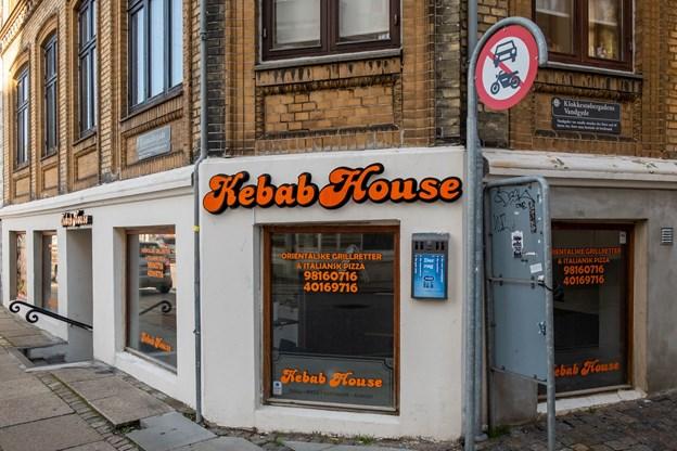 Kebabhouse er klar til at åbne dørene i morgen klokken 11.00 i de nye lokaler i Danmarksgade. Foto: Lasse Sand