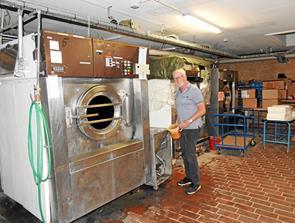 Farvemester er tilbage i Hirtshals Vaskeri