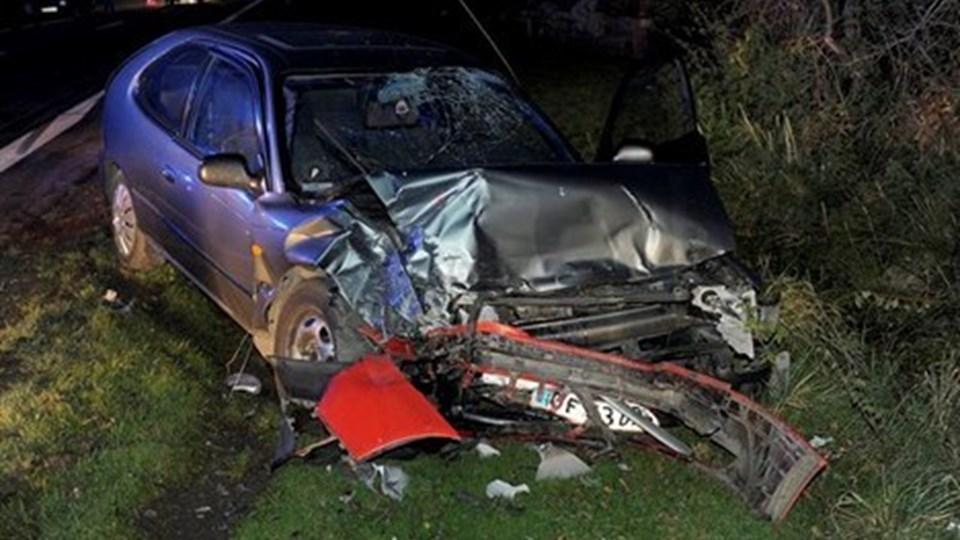 To biler stødte frontalt sammen på Oddesundvej lørdag sidst på eftermiddagen.Foto: Peter Mørk