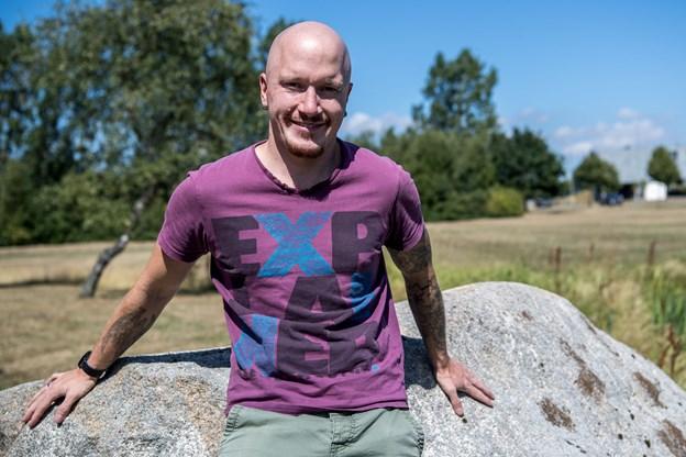 27-årige Emil Vestergaard Brønlund-Petersen har haft god glæde af, at mødes i et fællesskab med syv andre mænd og Kurt Kristensen.