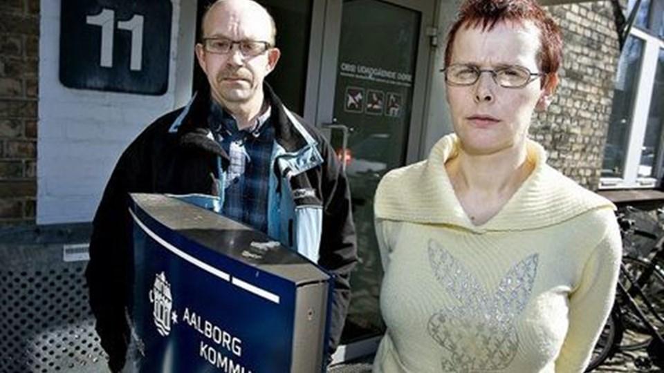 Henning og Vinni Pedersen håber, at Pernille Vigsø Bagges tilstedeværelse kan medvirke til hurtigere sagsbehandling. Foto: Claus Søndberg