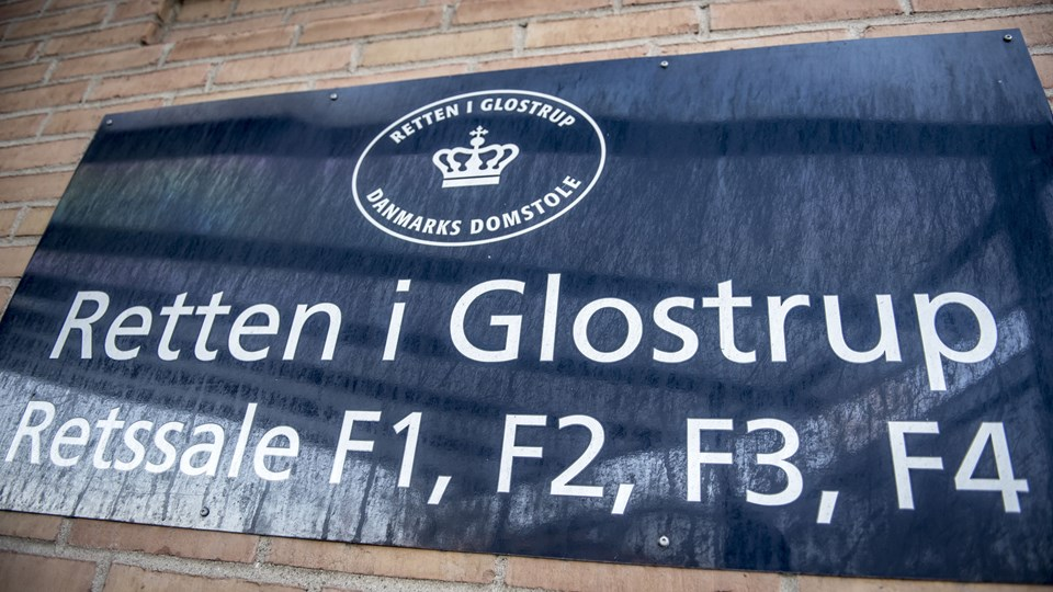 En 32-årig mand er tirsdag af Retten i Glostrup blevet idømt ubetinget fængsel i tre år for grove overgreb på steddatter. (Arkivfoto).