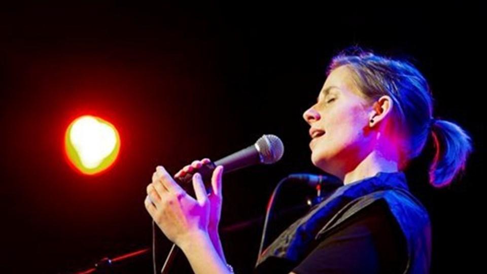 Tone alias Sofie Nielsen var selvfølgelig glad, men også meget stolt og beæret over at modtage Den NORDJYSKE Kulturpris 2011.