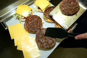 Fandt metal i McDonald's-burger