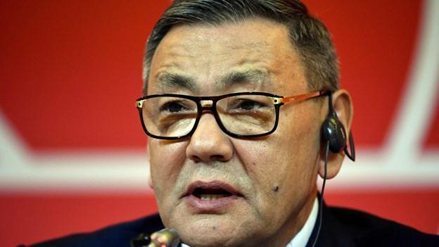 Kontroversiel bokseboss træder til side i OL-konflikt