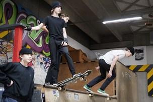 Skoledag på fire hjul: Her har de skateboard på skemaet