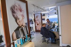 Kendt frisørsalon i Aalborg lukker: - Jeg kommer til at savne mit arbejde frygtelig meget