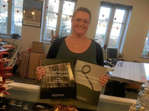 "Den lokale museumsinspektør, Chrestina Dahl, fra Vendsyssel Historiske Museum har skrevet kapitlet: ""Fra skampletter til kulturminder – Atlantvoldens bunkere efter 1945"". Foto: VHM"