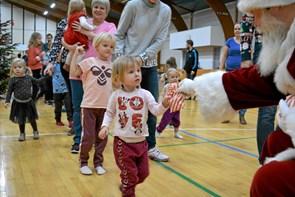 Julemanden besøgte Ulsted Hallen