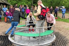 Ny kørestolskarrusel i Bangsbo Dyrehave