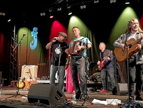 Slåbrock Band tog publikum med storm