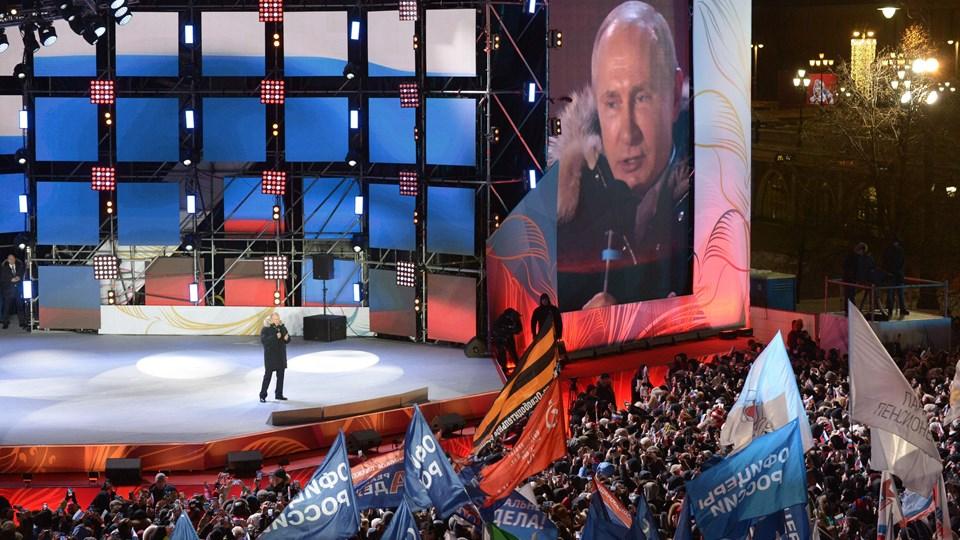 Vladimir Putin kunne søndag lade sig fejre, efter at han havde sikret sig sin fjerde præsidentperiode i Rusland. Foto: Scanpix/Alexey Nikolsky
