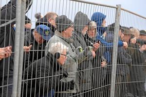 Live fra Rubjerg Knude Fyr: Tilskuerne strømmer til og fra fyret