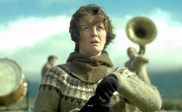 Islandsk kvinde igen på krigsstien