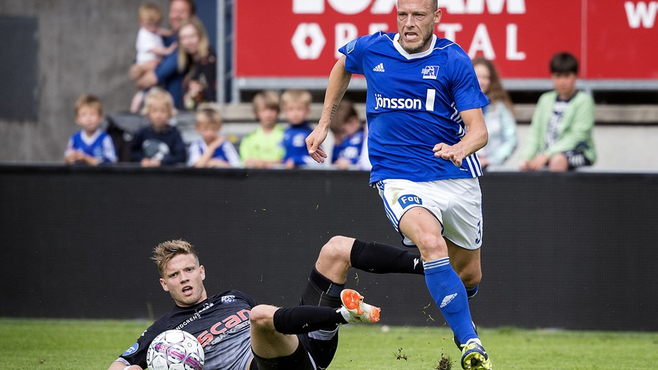 Michael Lumb (til højre) skifter fra Lyngby til AC Horsens, som også har forstærket sig med to spillere yderligere. Foto: Liselotte Sabroe/Ritzau Scanpix