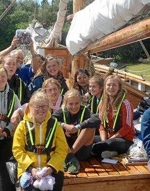 Udsatte unge på sommerlejr til søs