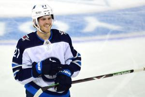 23-årige Ehlers lavede tre assister i NHL-åbning