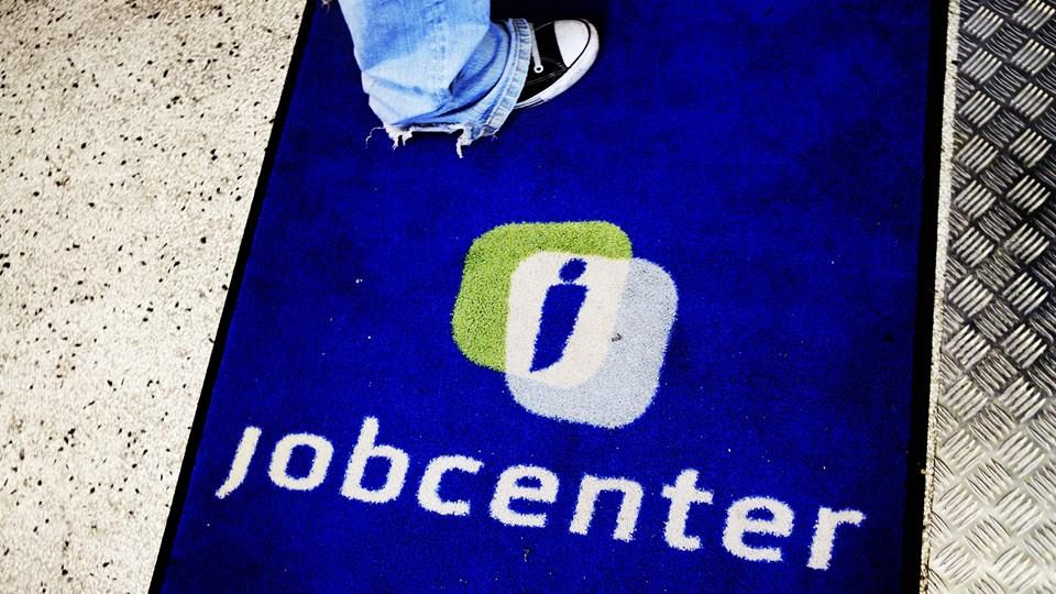 Beskæftigelsen falder 8000 personer, hvis dagpengene hæves med 15.000 kroner årligt. det viser Finansministeriets beregning. Foto: Scanpix/Michael Bothager