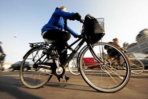 Nytter det overhovedet at tage cyklen frem for bilen? Her er klimaforskernes svar