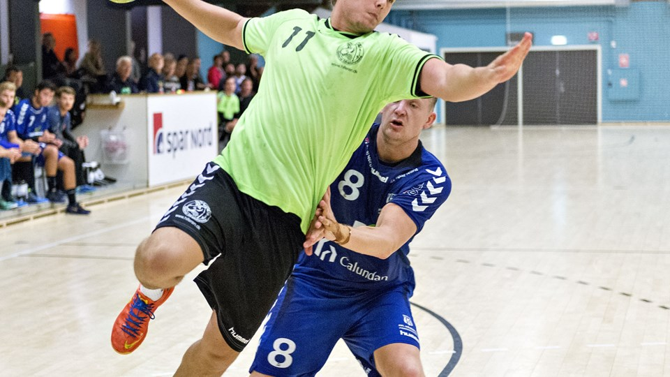 Benjamin Batsberg scorede syv gange for Hjallerup IF i udesejren over Viborg HK i mændenes 2. division i håndbold.Arkivfoto: Kim Dahl Hansen