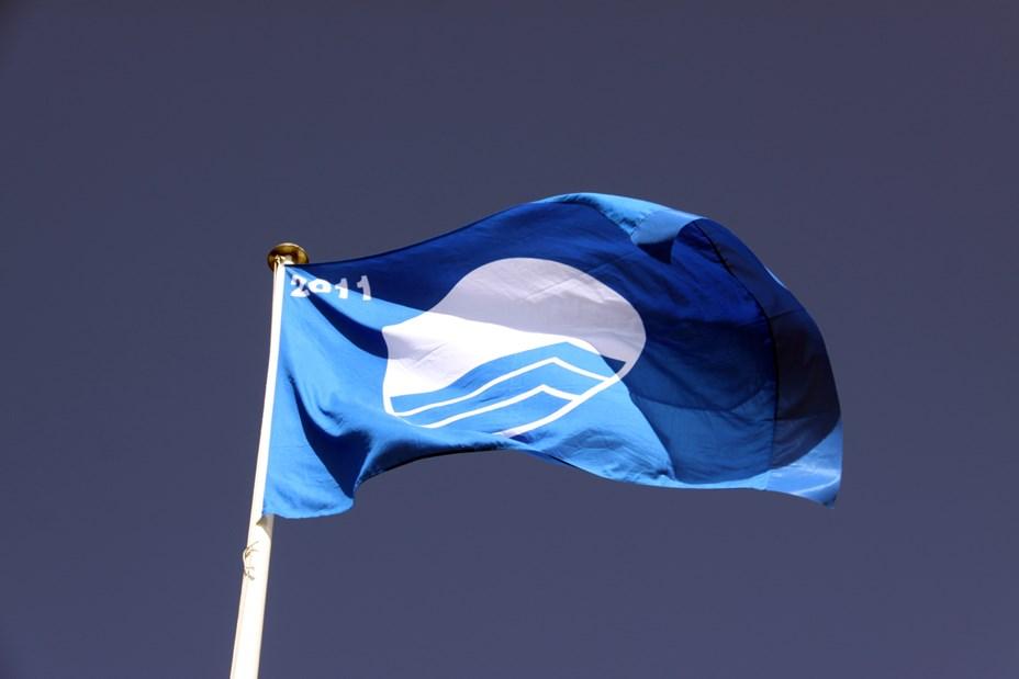 13 blå flag skal op at vaje