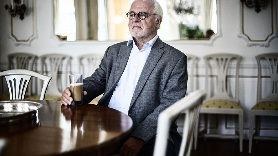 Johan Schlüter i hans hjem på Esplanaden den 8. oktober 2015. Københavns Byret er tirsdag rammen om en af danmarkshistorien mest spektakulære bedragerisager, hvor han og to andre ud over fængsel risikerer at skulle betale en enorm erstatning. Foto: Scanpix/Simon Læssøe
