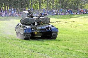 Kom og se en kampvogn helt tæt på