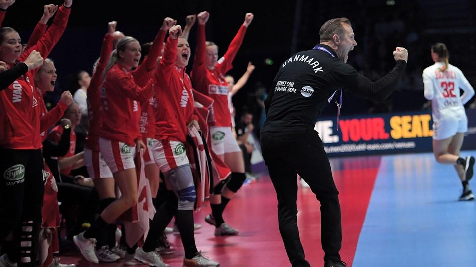 Landstræner Klavs Bruun Jørgensen og det danske kvindelandshold i håndbold er i pulje med Australien, Sydkorea, Tyskland, Brasilien og Frankrig til VM i Japan til december.