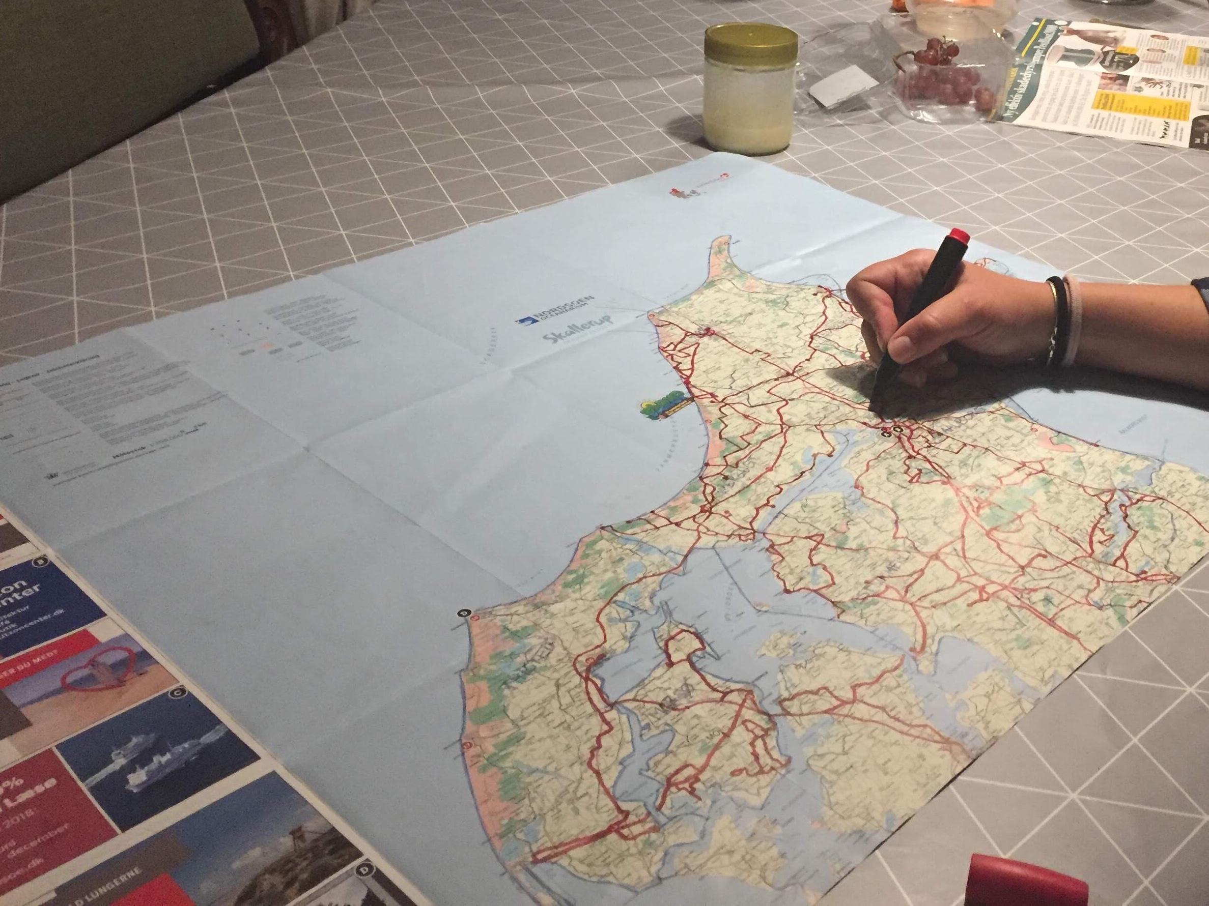 Parret besøgte over sommeren alle de nordjyske kommuner, og det krævede et overblik. Privatfoto