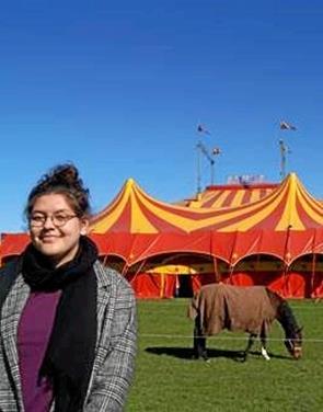 19-årige Nina fra Lendum i et drømmejob