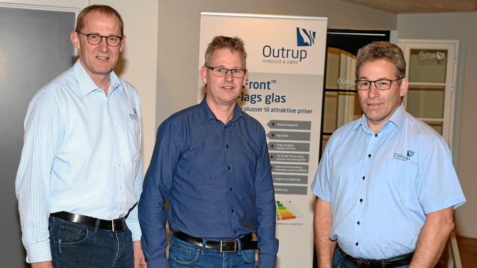 I midten ny direktør Henrik Nyby flankeret af Mogens Ringgaard, til venstre, og Søren Jensen, til højre.PR foto