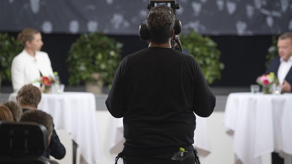 Statsminister Lars Løkke Rasmussen fra Venstre og Mette Frederiksen fra Socialdemokratiet mødes i valgduel i Folkehjem i Aabenraa, onsdag. (Arkivfoto).