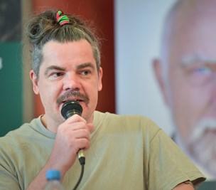 """Uwe Max Jensen er """"nogenlunde tilfreds"""" med rollen som den ensomme kandidat"""