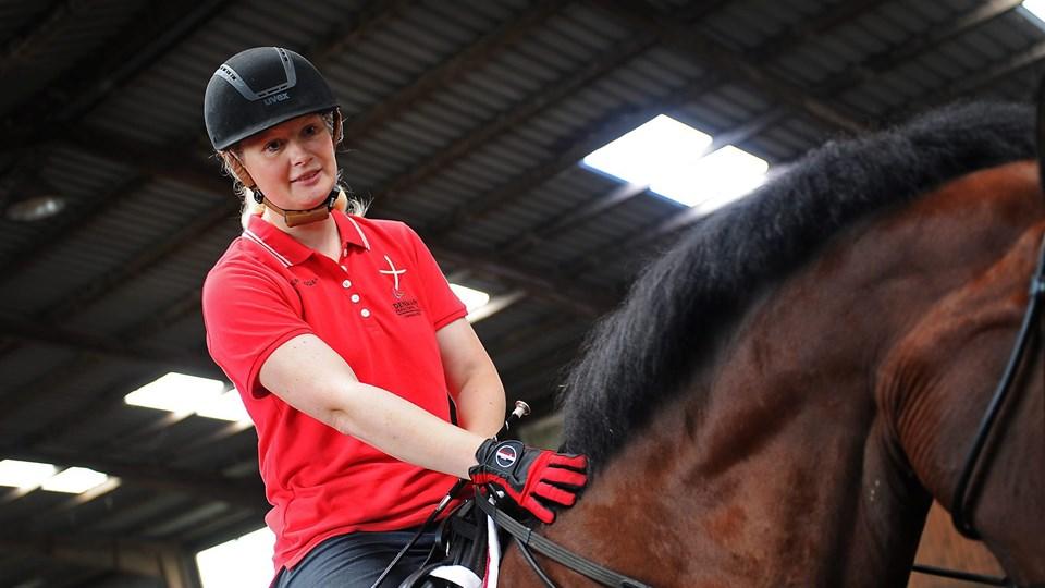 Susanne Jensby Sunesen og hesten Thys Que Faire fik en rigtig god start på de Paralympiske Lege, da ekvipagen hentede en femteplads i teamprogrammet, og i dag kan ekvipagen være med til at sikre Danmark en holdmedalje. Arkivfoto: Ole Iversen