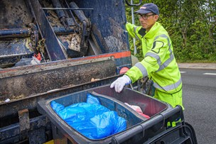 Fart på: Skraldemændene i Frederikshavn skal indsamle det konfliktramte affald hurtigt