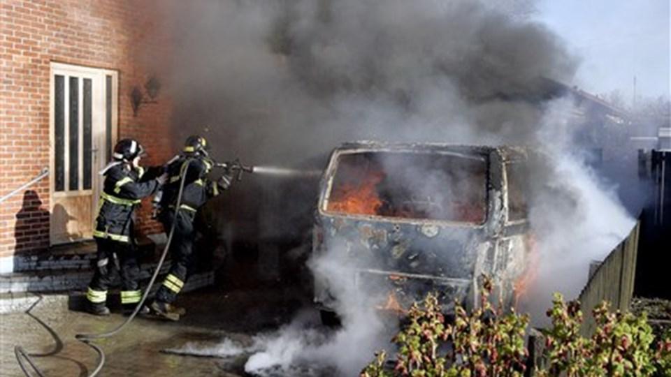 Jørn Larsens Vito udbrændte tirsdag formiddag. Foto: Peter Mørk