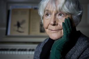85-årig Hanne Maries mand døde: Hun skriver ned i stedet for at give op