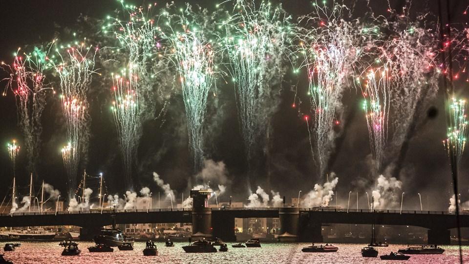 Det store fyrværkerishow i forbindelse med The Tall Ship Races 2015 vakte stor opmærksomhed. Nytårsaften vil Musikkens Hus forsøge at overgå showet. Arkivfoto: Martin Damgård