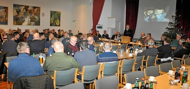 Samvirke har 67 medlemsforeninger, og hver af dem er repræsenteret på mødet med delegerede, som her sidder i den store sal i Kulturcentret. Foto: Ole Torp Ole Torp
