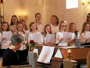 Forår i Vester Hassing Kirke