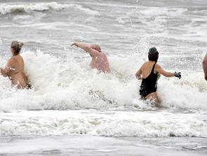 Vinterbader Event på Husmoderstranden