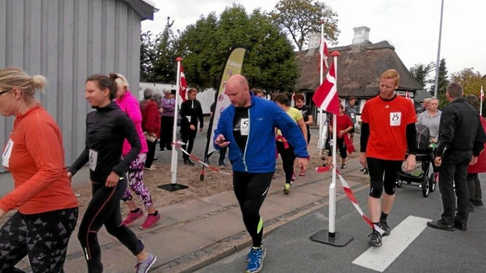 Sidste år var der ligeledes et Geraa-løb, og her ses starten fra Sorensminde, som ses i baggrunden. Privatfoto