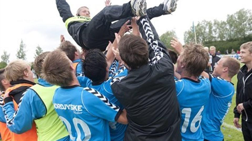 Blokhus FC kunne sidste sommer juble over oprykning til 1. division. Nu har klubben ikke længere lov at spille i landets næstbedste række. Foto: Grete Dahl