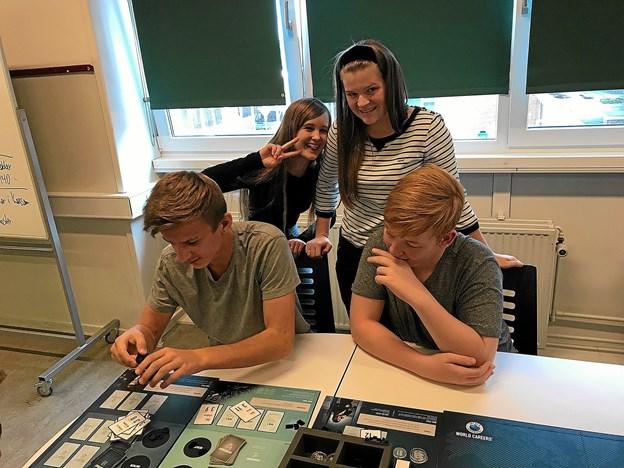 Vinderne af konkurrencen på Klokkerholm Skole blev dette hold bestående af Silje, Gry, Anders og Kristoffer. Privatfoto