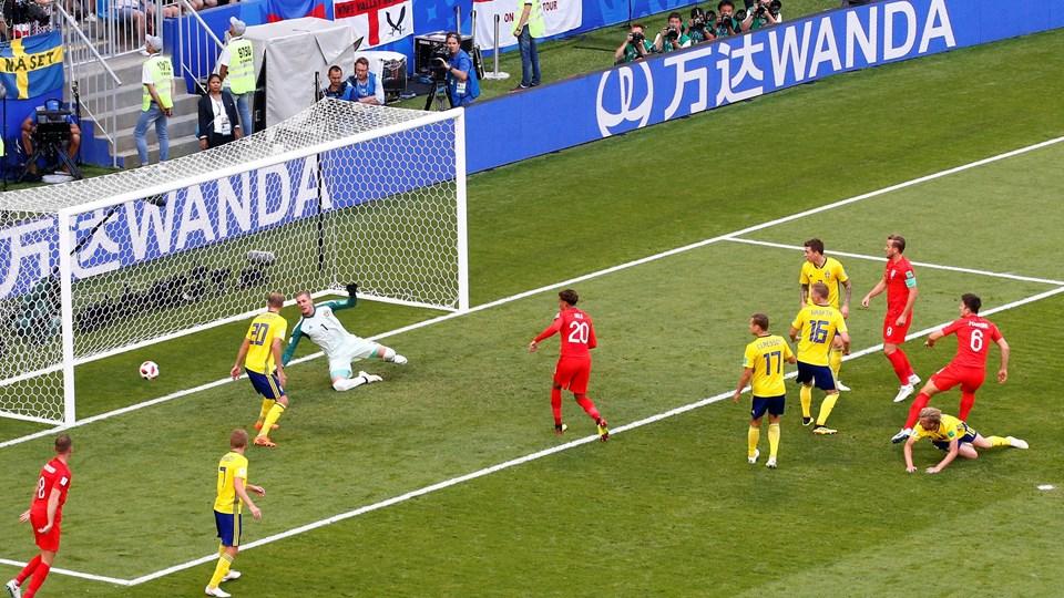 Harry Maguire bragte England foran 1-0 mod Sverige efter en halv time i kvartfinalen ved VM. Foto: David Gray/Reuters/Ritzau Scanpix