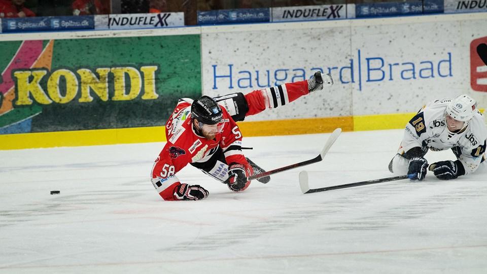 Aalborg Pirates faldt tungt i den første hjemmekamp i kvartfinalen. Foto: Hans Ravn