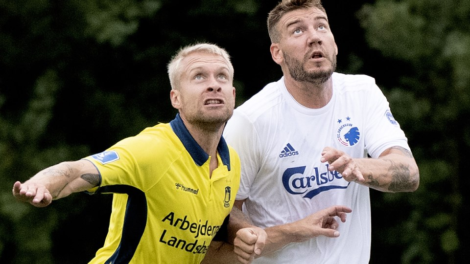 Nicklas Bendtner kom frem til et par chancer i sin uofficielle debut for FC København.