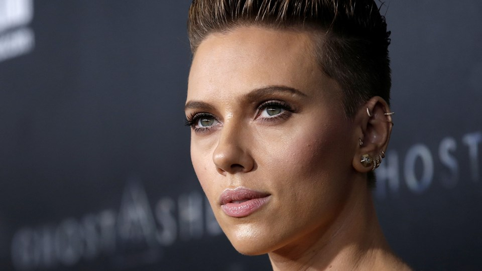 Actor Scarlett Johansson poses as she arrives for the premiere of the film ''Ghost In The Shell'' in New York, Scarlett Johansson Foto: Reuters/Mike Segar