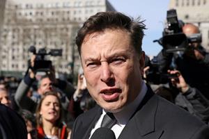Tesla taber 4,7 milliarder kroner i første kvartal
