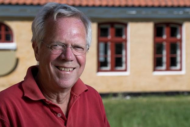 Serien om arkitektur i Skagen bringer vi hveranden uge. I denne uge er forfatteren Hans Nielsen, der står i spidsen for Lokalhistorisk Arkiv Skagen. Foto: Lars Pauli